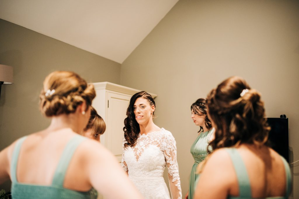 Bridal Prep Image at the lodges Bull Inn