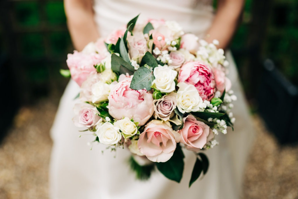 bridal flowers at Knowle Country House