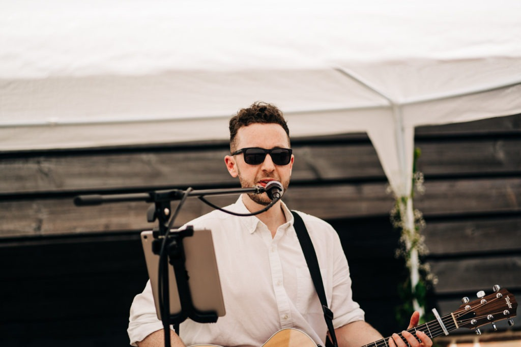 singer at north barn wedding