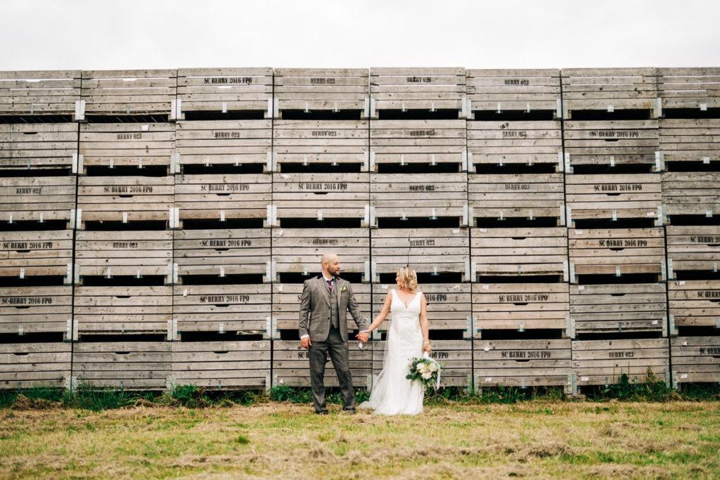 brenley farm couples portraits apples