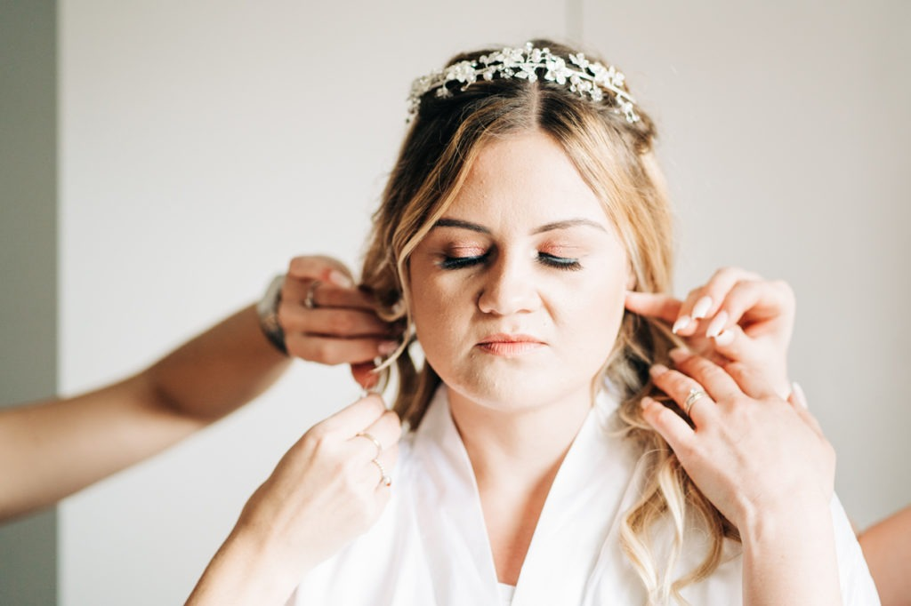 bridal preparations before wedding