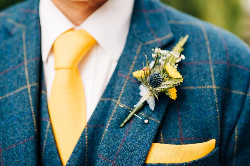 groom tweed suit and thistle
